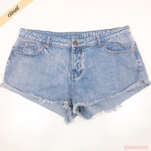 [Cotton On] Light Wash The Frayed Mid Rise Shorts